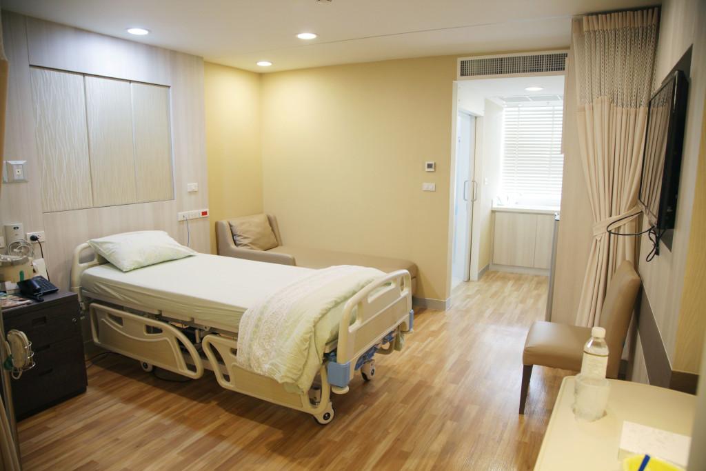 Samitivej Thonburi hospital room