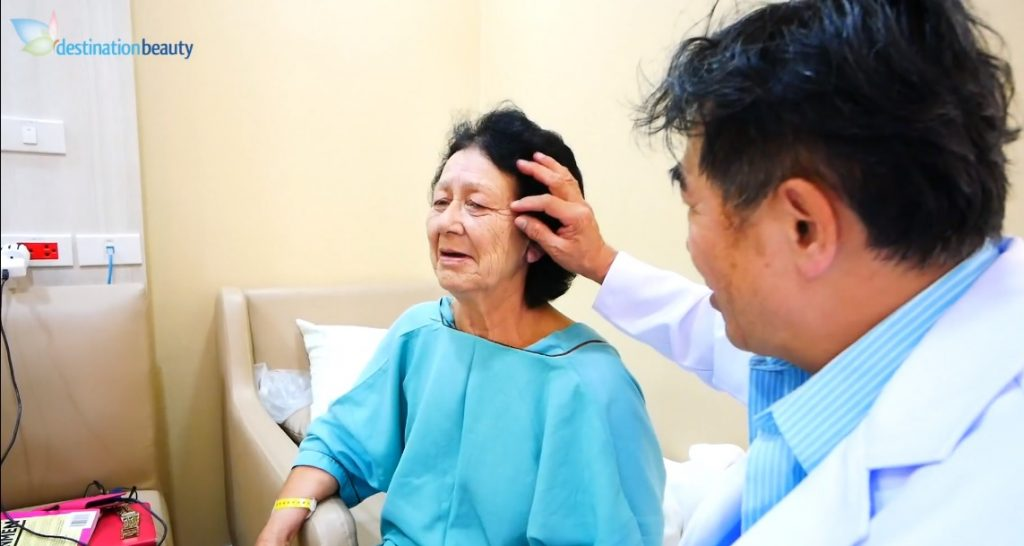 Evelyn's face lift consultation with Dr. NJ in Bangkok